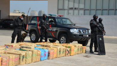 صورة الشرطة القضائية تحبط تهريب طنين و490 كلغ من مخدر الشيرا