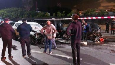 صورة مقتل 3 اشخاص من طاقم فيديو كليب بعد اقتحام سيارة لمكان التصوير