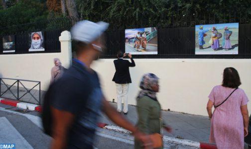 صورة افتتاح معرض بطنجة لتخليد لحظات من الجائحة عبر العالم