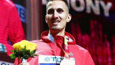 صورة أولمبياد طوكيو..العداء سفيان البقالي يهدي المغرب أول ميدالية ذهبية
